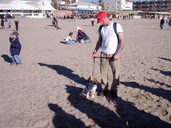 Eu e Billy na Praia de Castelldefers (BCN) em dezembro de 2004