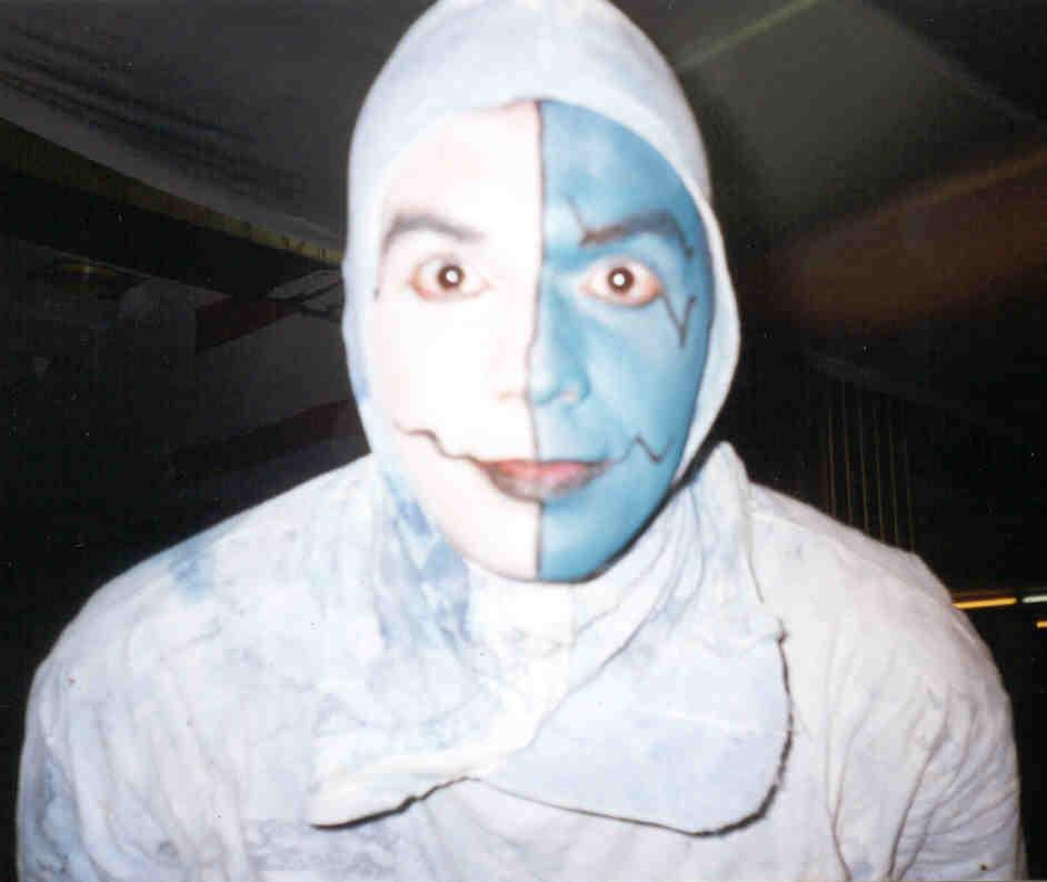 Preparação para o espetáculo Saragatus com a companhia La Cremallera Teatre de Carrer - Valencia - Espanha - 2002