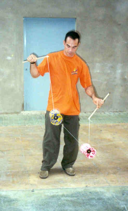 Brincando com os Diabolôs - Espanha, 2002