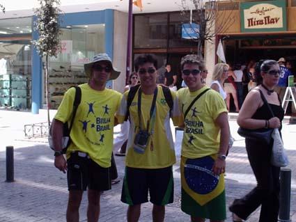 Olimpiadas de Atenas - 2004 com Guilherme e nosso campeão de Tenis de Mesa, Hugo Hoyama