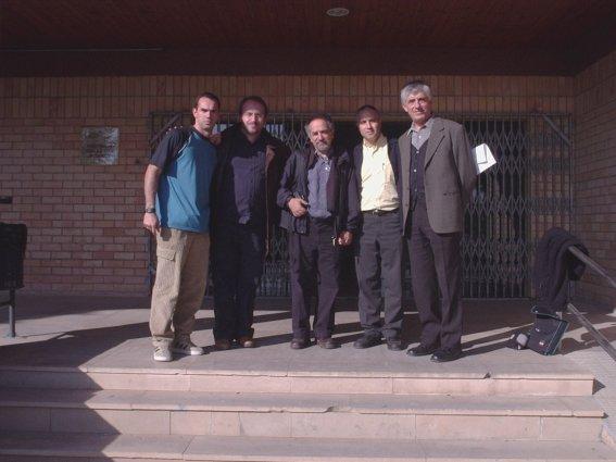 Entrada do INEFC LLeida - Eu e os doutores Carles Feixa, Vincenzo Padiglione, Pere Lavega e Francisco Lagardera