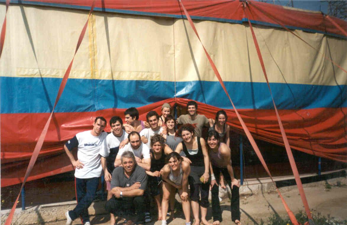 Escola Circo Rogelio Rivel - Barcelona - Espanha 2003