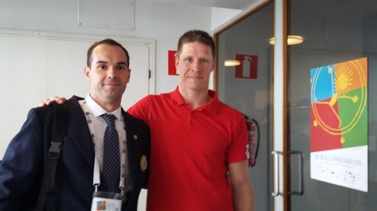 Com Jani Tanskanen <<presidente a Comissão dos Atletas da FIG) dirante a WG 2015
