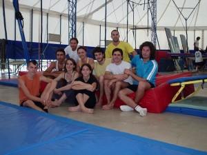 Grupo de alunos de acrobacia - Escola de Circo - Rogelio Rivel BCN 2004