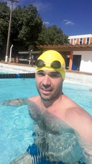 Quase um nadador.... peixe martelo, maio 2015 (FEF-UNICAMP)
