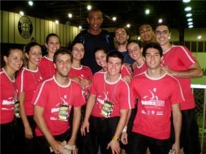 GGU com a companhia do pivô (ex-seleção brasileira) Pipoca no Tênis Clube - Campinas, 2008