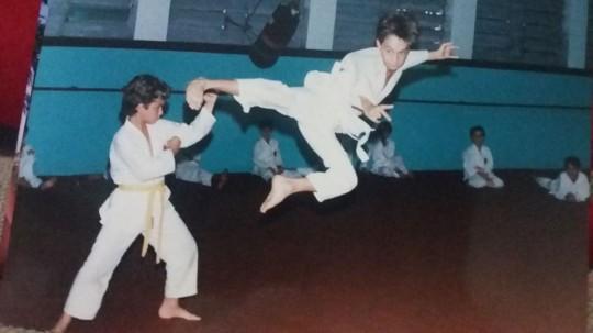 Praticando Karatê na Associação Gotatsu de Karatê-do em Americana-SP, 1992