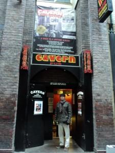 Liverpool -na porta do mítico Pub Cavern, 2010