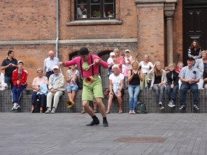 Apresentando-se na rua em Odense - Dinamarca, julho, 2011