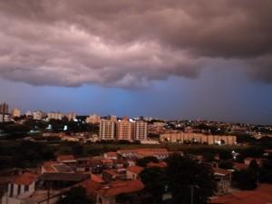 Vista do apto antes de uma tempestade de verão em 2011